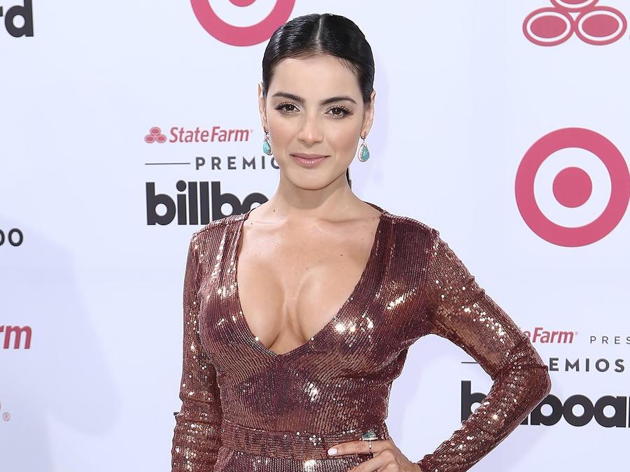 Daniela Navarro en la alfombra de Premios Billboard
