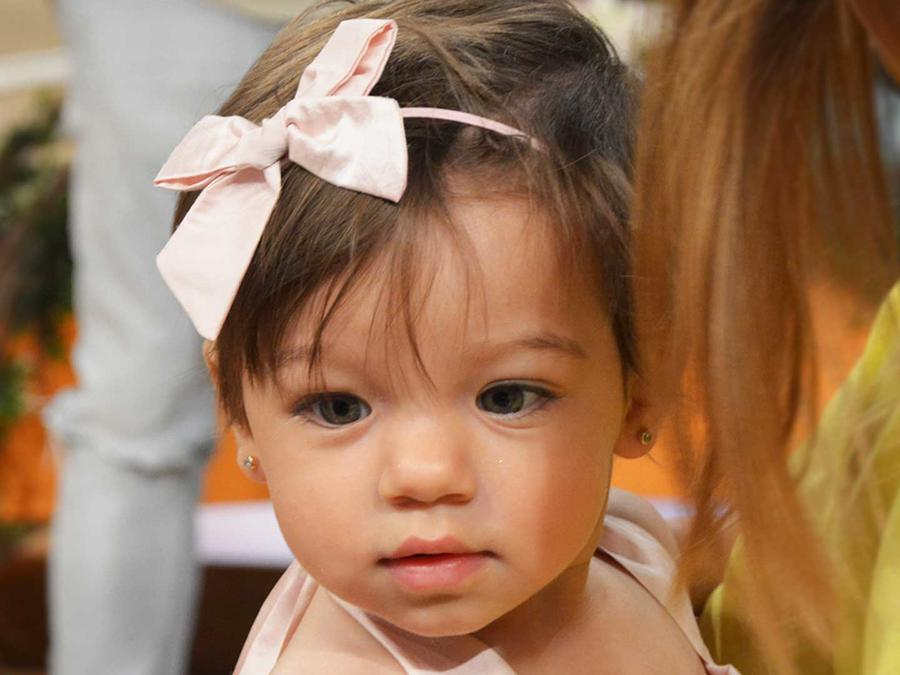 alaïa hermosa con laso rosado