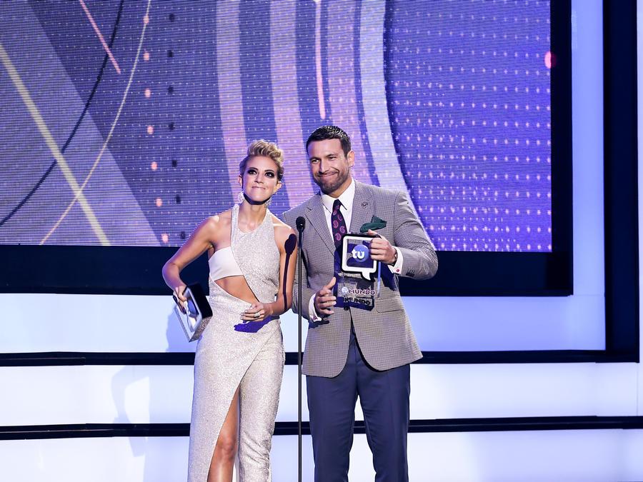 Fernanda Castillo Rafael Amaya Premios Tu Mundo 2016