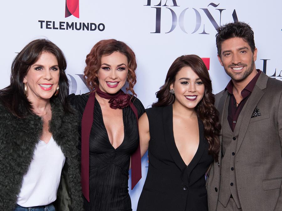 Estreno La Doña, club de novelas, Rebecca Jones, Aracely Arámbula, Danna Paola, David Chocarro