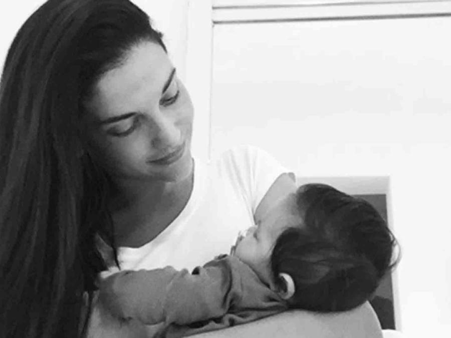 Natalia Jiménez con su bebé