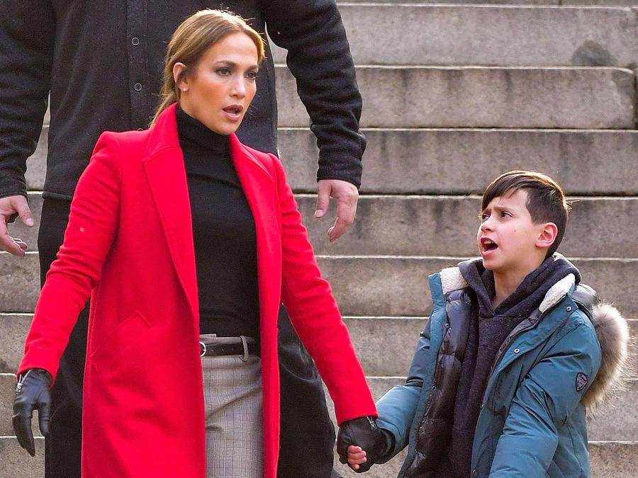 Jennifer Lopez con su hijo Max