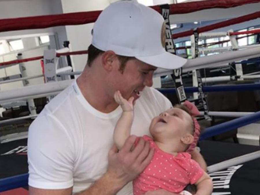 """Saúl """"Canelo"""" Álvarez con su hija"""