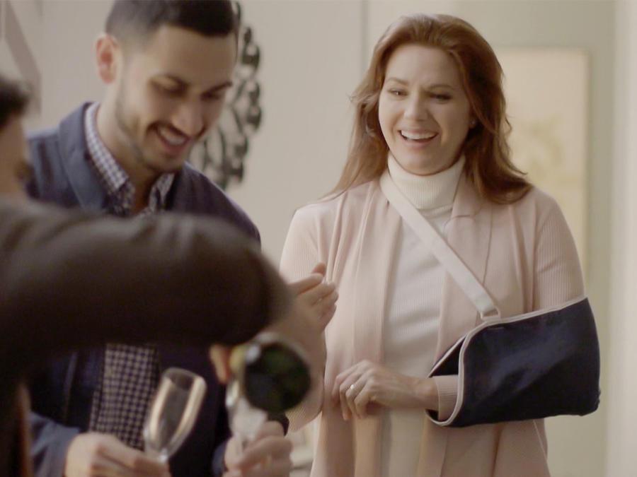 Sonya Smith y Alejandro Speitzer en Milagros de Navidad
