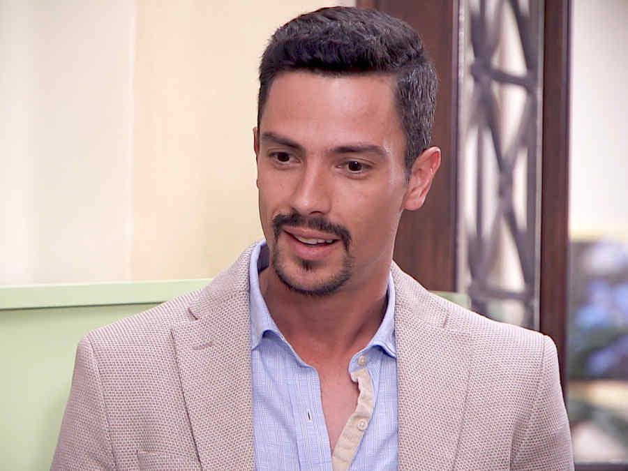 Aldo Gallardo es Carlos Gallardo en Los Miserables