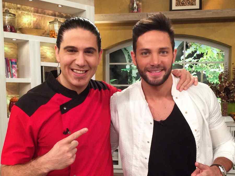 Gabriel Coronel junto al Chef James