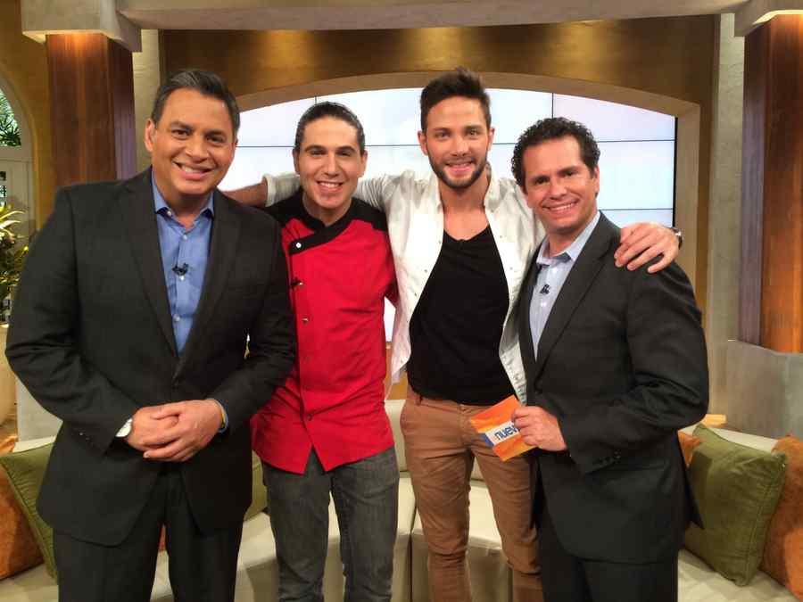 Gabriel Coronel junto a Daniel Sarcos, Diego Schoening y el Chef James
