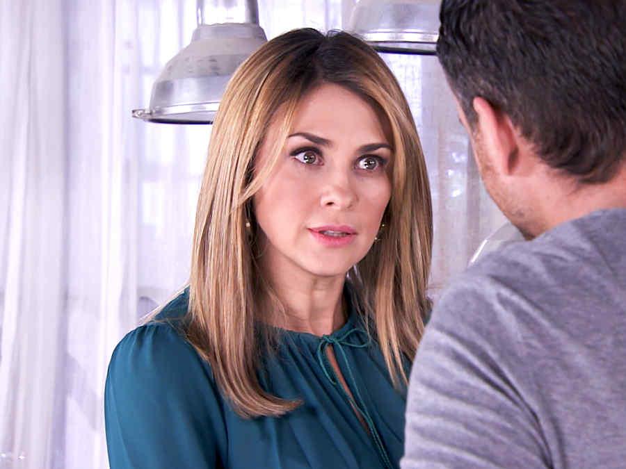 Aracely Arámbula es Lucía Durán en Los Miserables