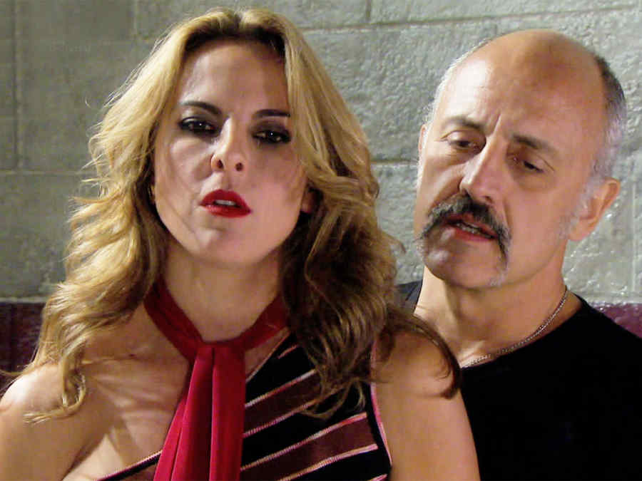 Kate del Casillo, Alberto Jimeéz, escena peleando, Dueños del Paraíso
