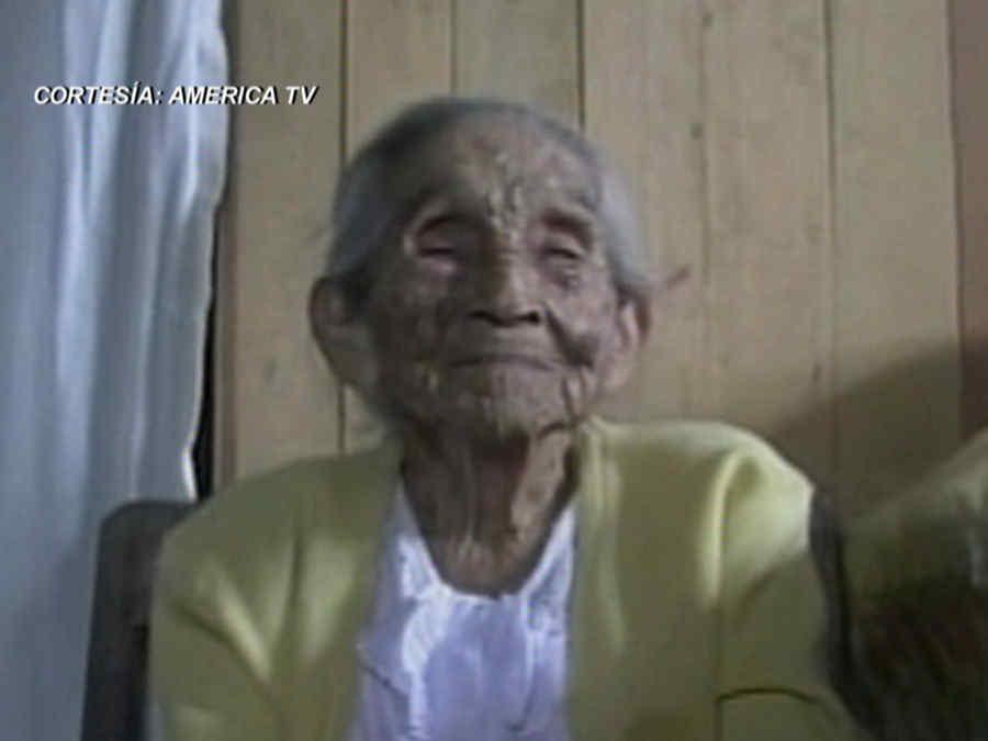 Mujer de Perú celebra 113 años (VIDEO)