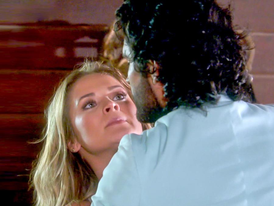 Fabián Ríos y Kimberly Dos Ramos peleando en Tierra de Reyes