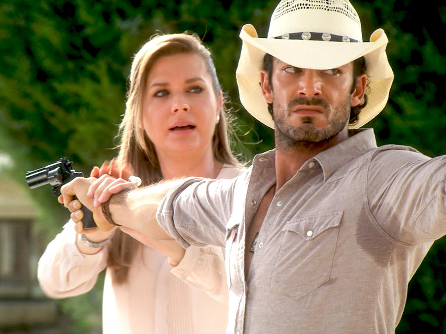 Sonya Smith Y Sus Hijos una pistola y Sonya Smith