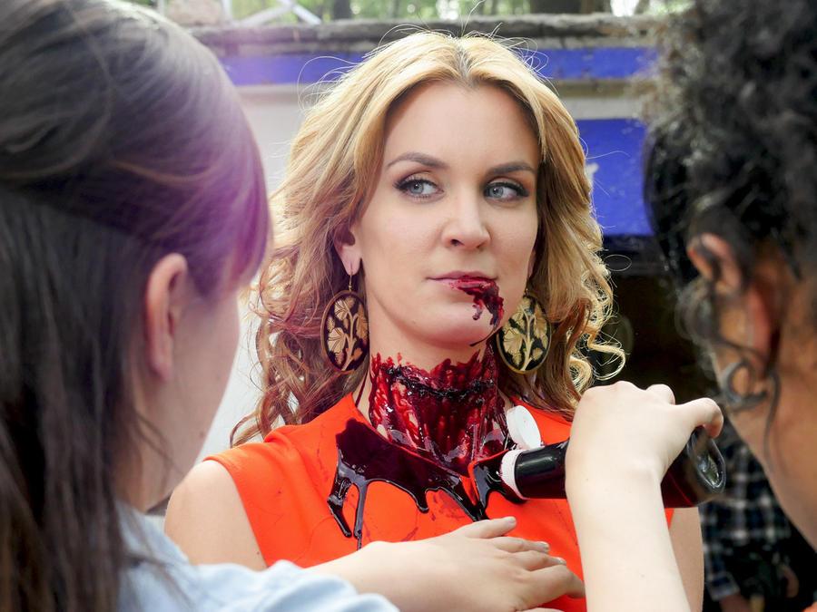 Veronica Montes, La Condesa, maquillando a Belén, El Señor de los Cielos Tercera Temporada