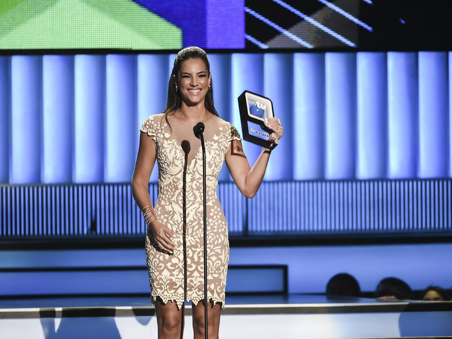 Gaby Espino en Premios Tu Mundo 2015