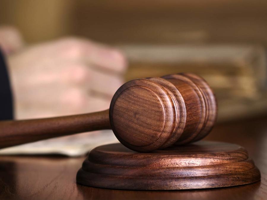 Un joven de 30 años fue demandado por su padres para que se vaya de la casa
