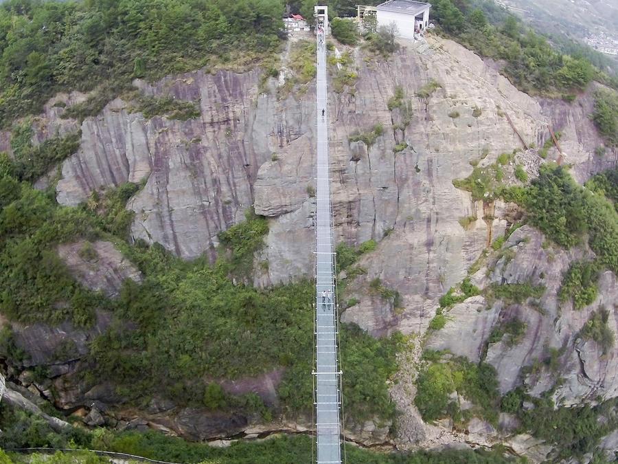 inauguran puente cristal