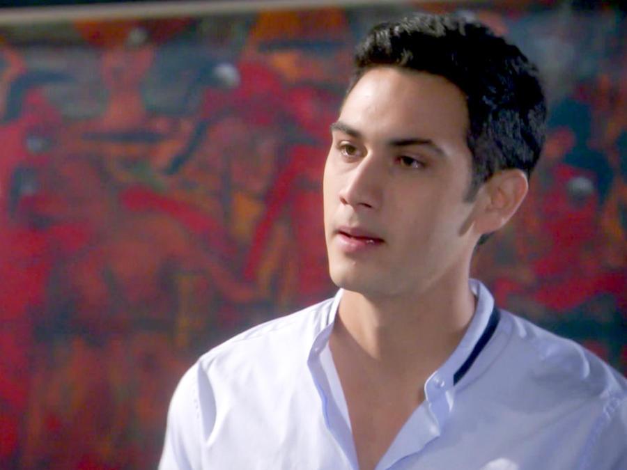 Alejandro Speitzer enfrentado a Luis Ernesto Franco en Bajo El mismo Cielo