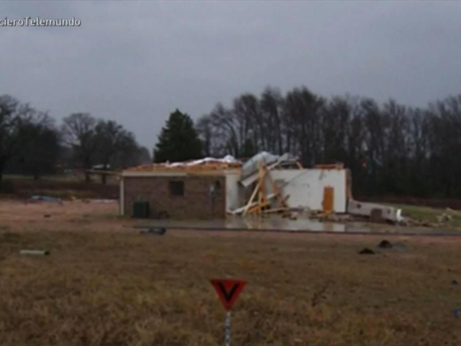 casa destrozada por tornado