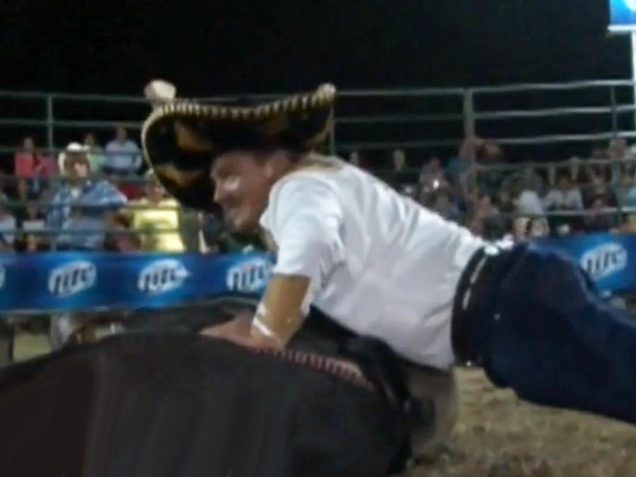 Denuncian maltrato a un toro