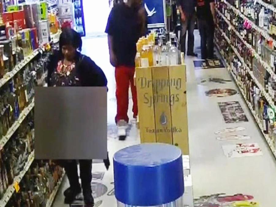 ladrona esconde licor