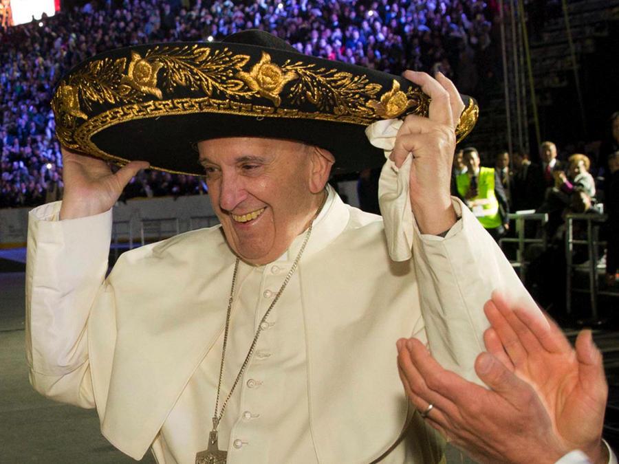 Mexicanos dedican emotiva canción al Papa