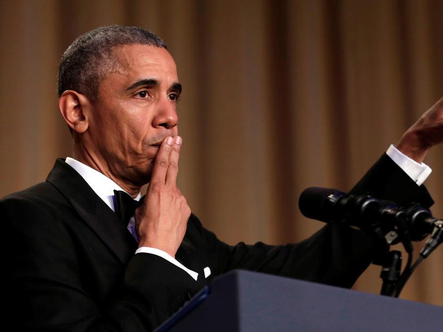 obama hace chistes de trump