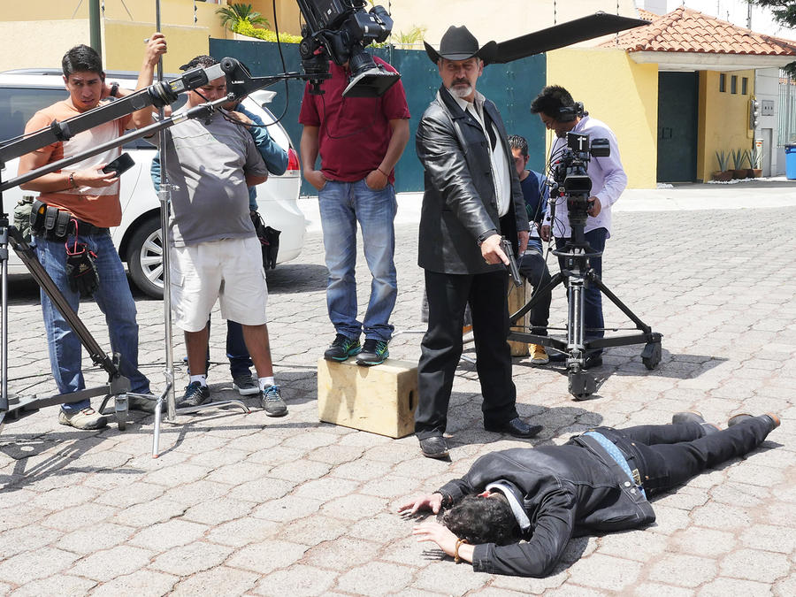 Leonardo Daniel, Don Feyo, disparando, El Señor de los Cielos