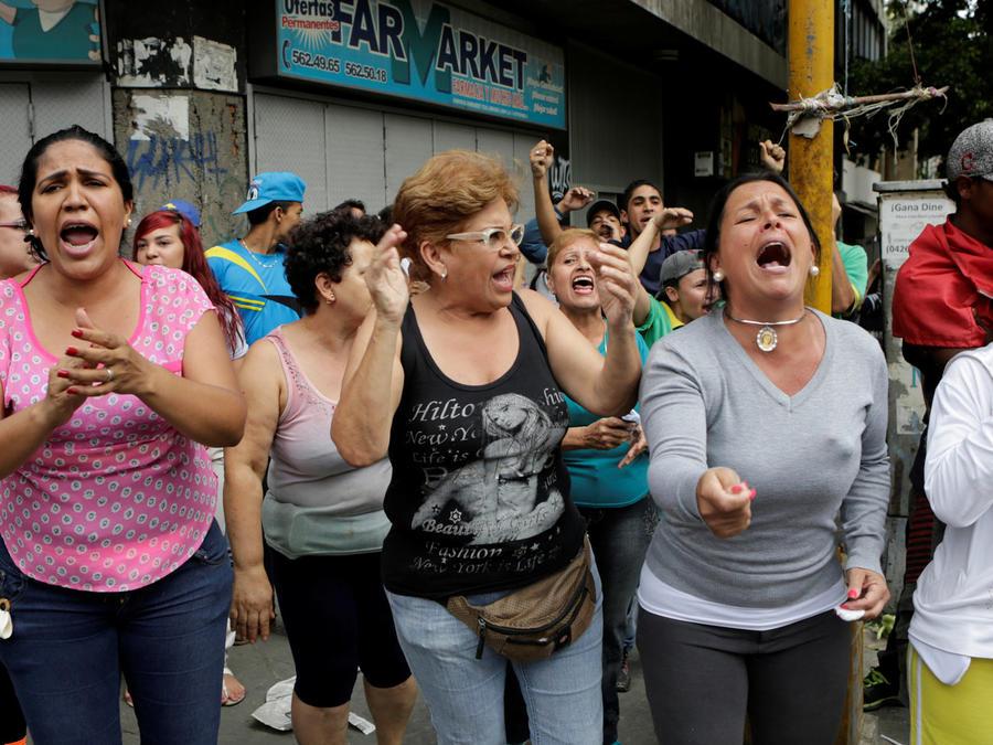 venezolanos piden comida