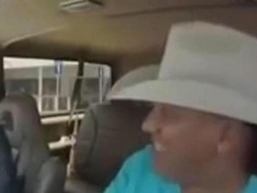"Lupe Esparza se convirtió en chofer de ""Uber"""