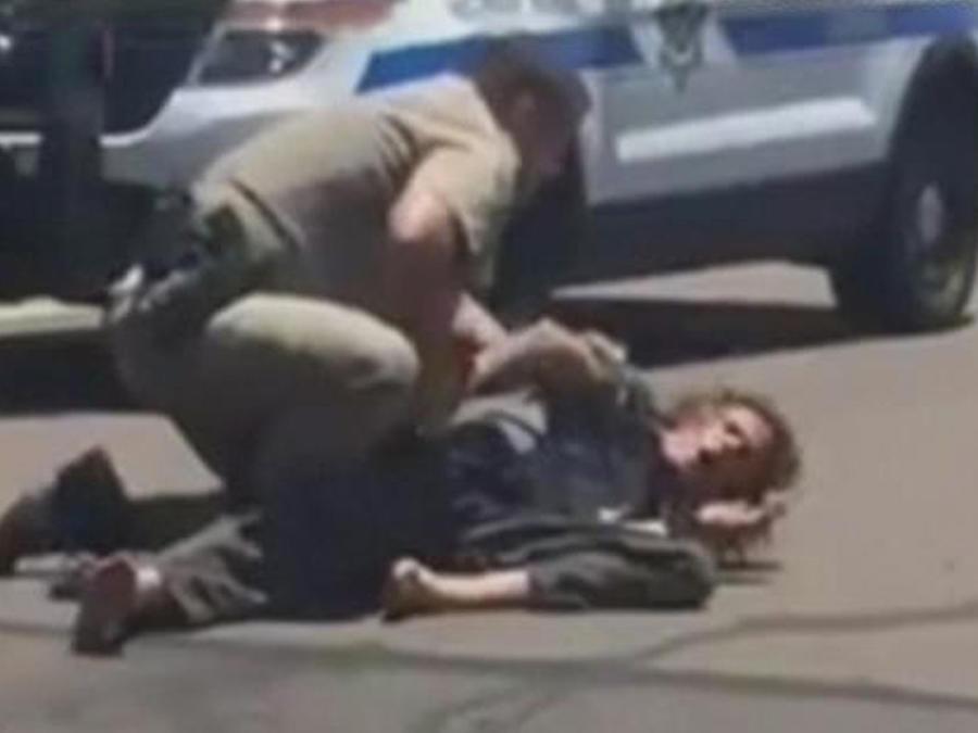 sujeto se resiste al arresto