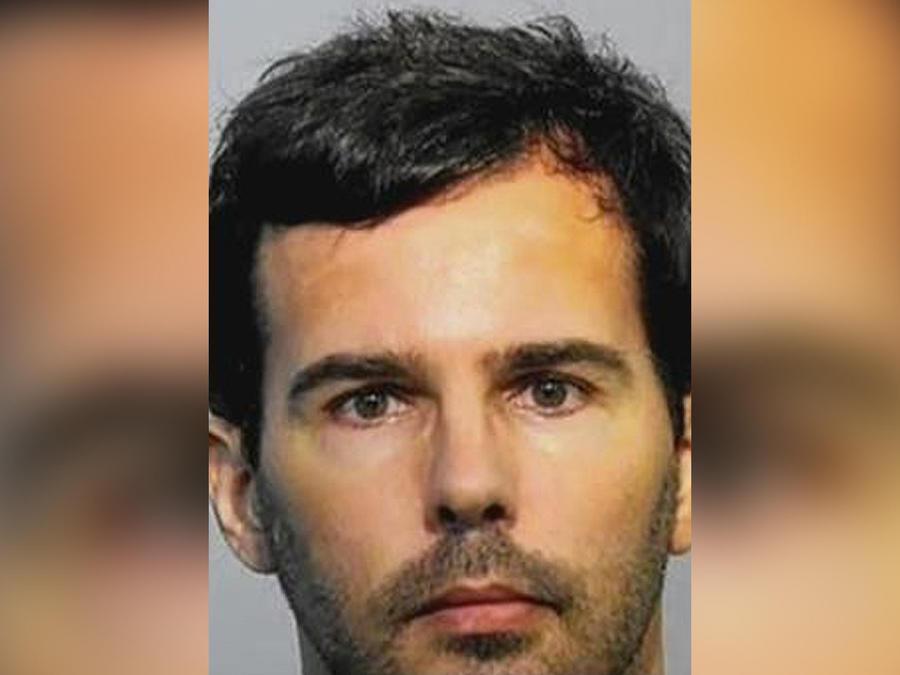 hombre acusado pornografia infantil