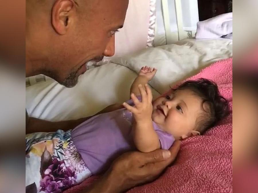la roca con su hija