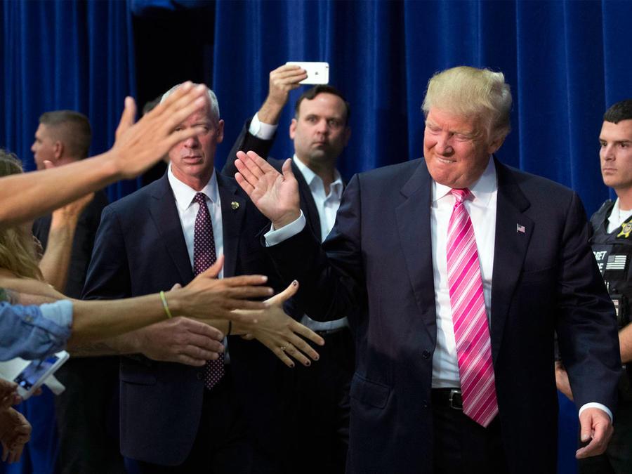 Trump-quiere-ahora-conquistar-a-los-hispanos