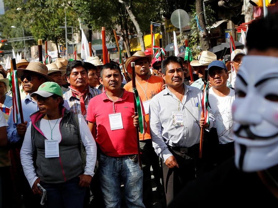 Educadores mexicanos exigen suspender reforma