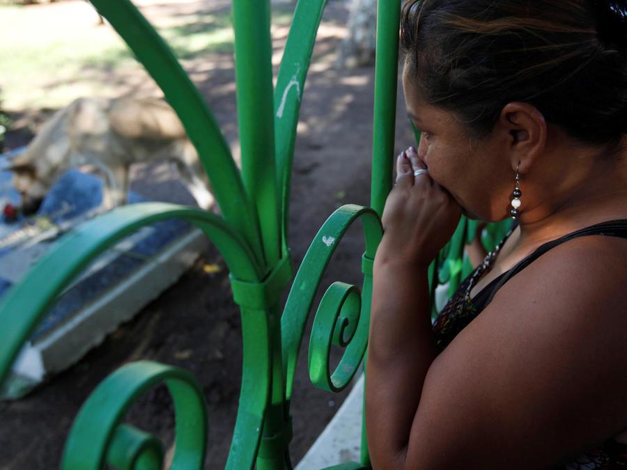 Cenizas de Juan Gabriel son veladas en privado