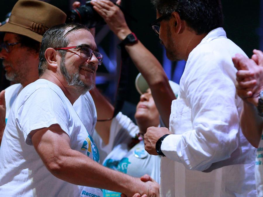 Líderes de FARC ratifican compromiso de paz