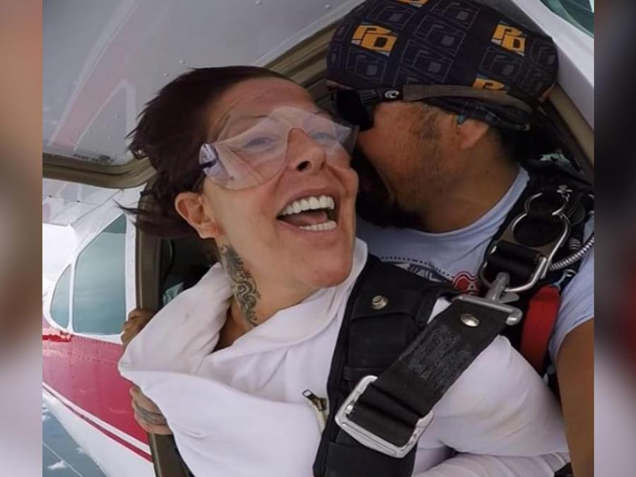 alejandra guzman en paracaidas