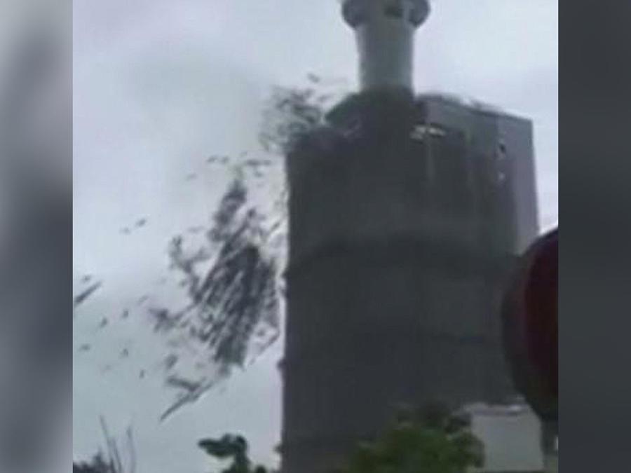 tifon destruye edificio