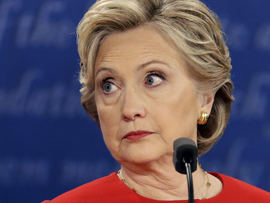 Clinton frente a sus declaraciones secretas