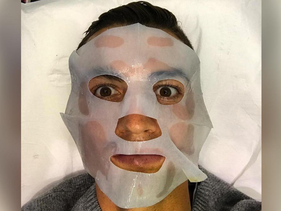 ronaldo con mascarilla