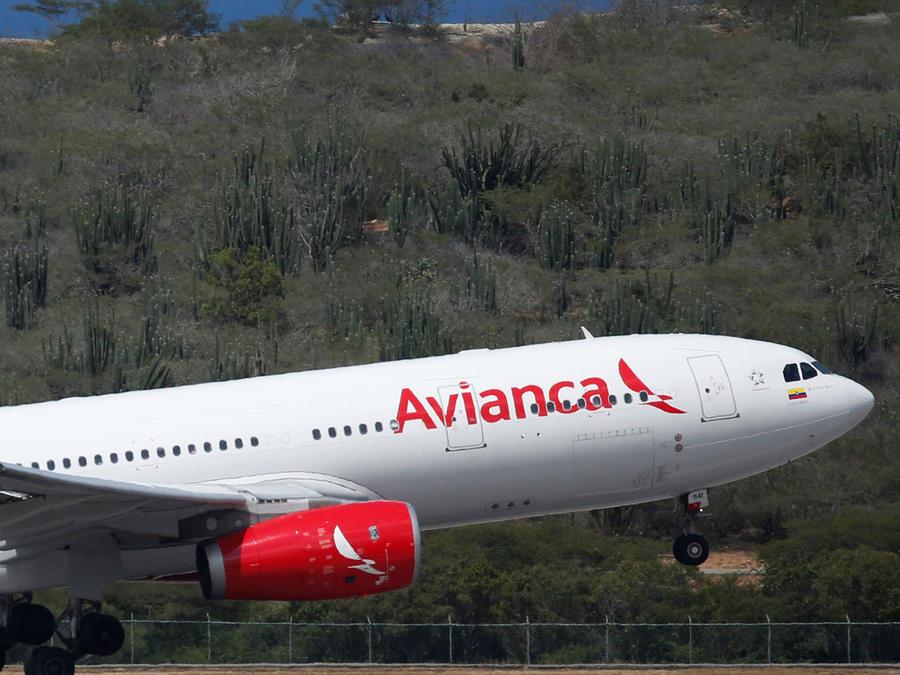 Avianca reanuda vuelos
