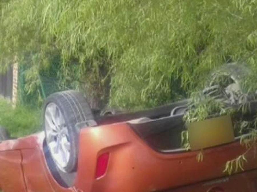 auto choca a moto