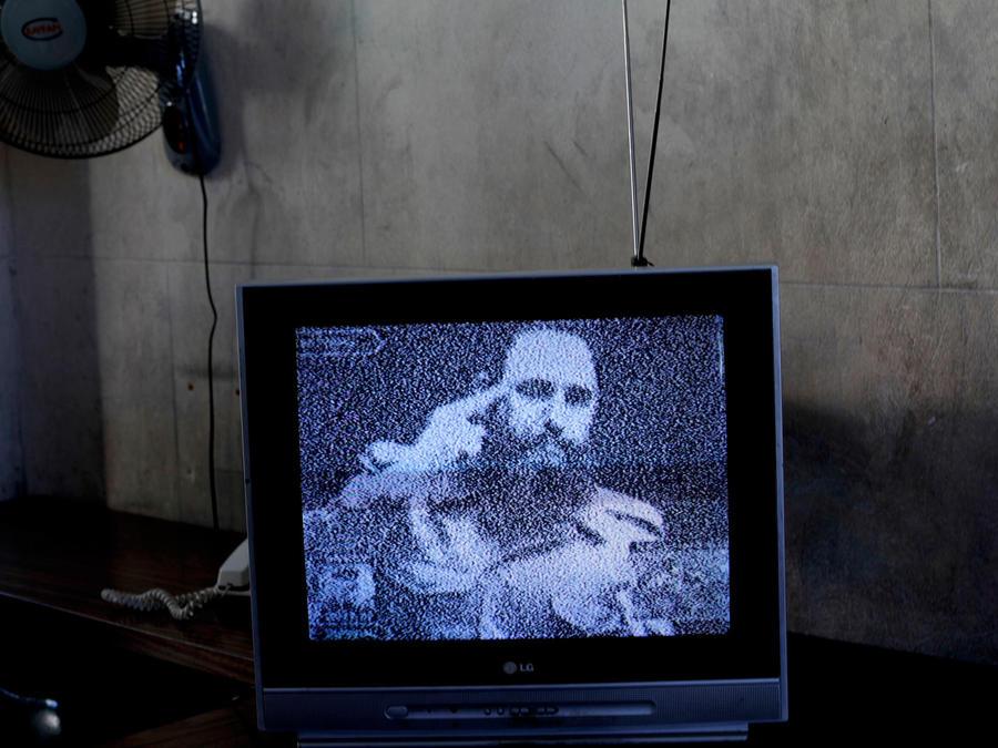 pantalla tv con fidel castro