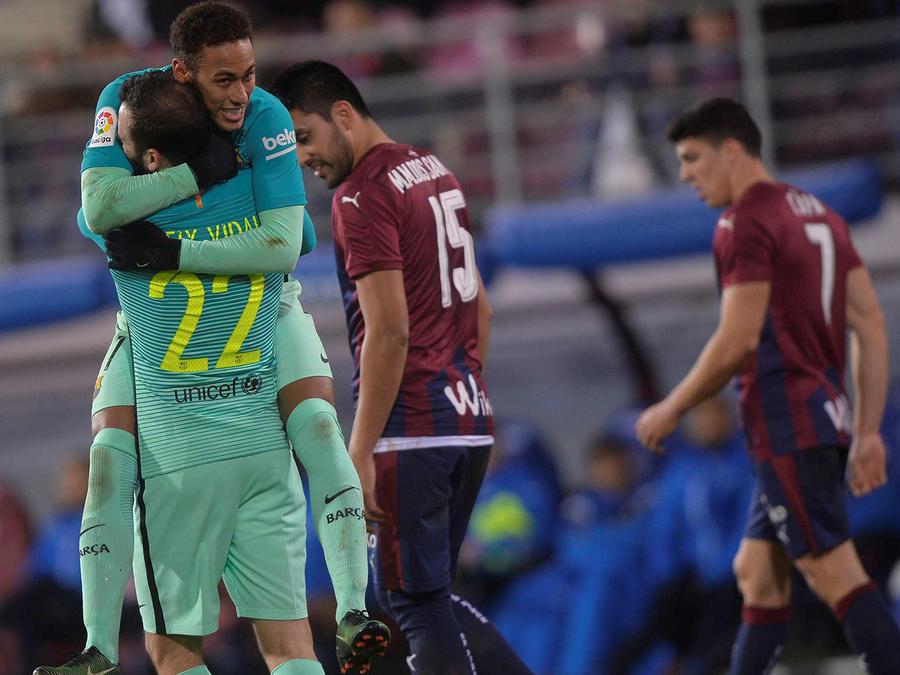 El Barcelona derrota al Eibar 4-0