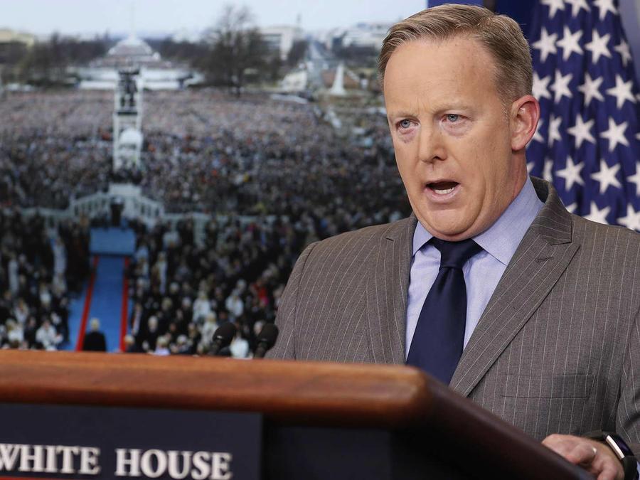 Analista republicana critica al portavoz de la Casa Blanca