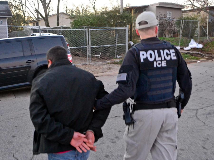 detenido por ice