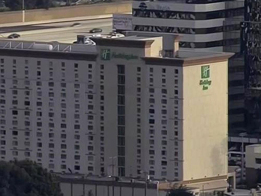 encuentran explosivos en hotel