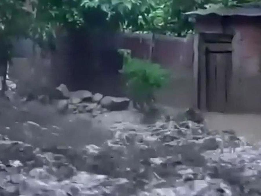 rio desbordado