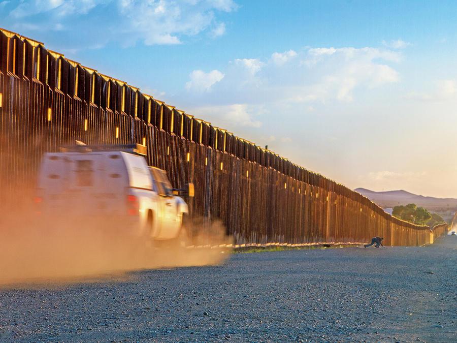 Una de cada diez compañías que quieren levantar el muro son hispanas
