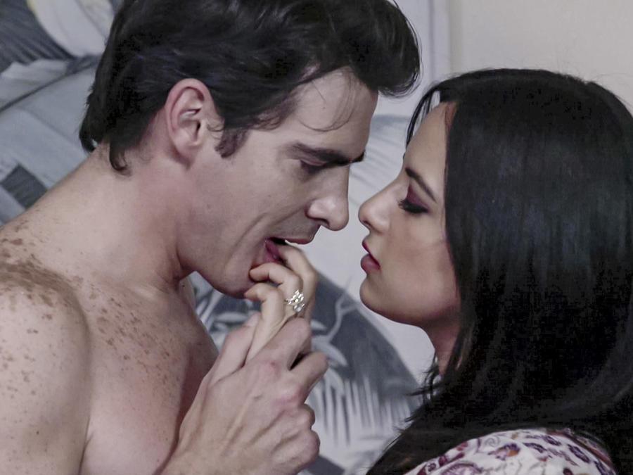 Julieta Grajales y Luis Gerónimo Abreu en El Chema